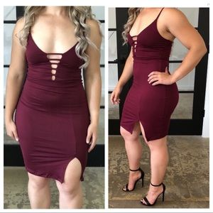 Dresses & Skirts - Low cut bodycon mini dress with high slit